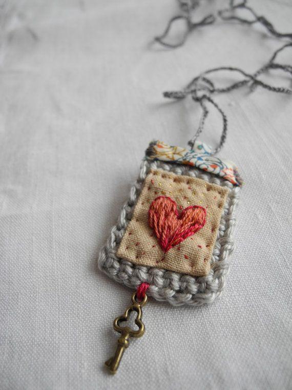 Ricamato cuore uncinetto tessuto liberty collana