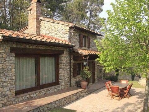 Oltre 25 fantastiche idee su case con esterni in pietra su for Design del portico di casa