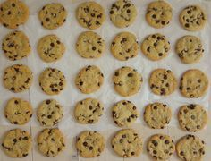 Best big, fat, chewy Chocolate Chip Cookies – so hat meine australische Gastmutter die Kekse immer genannt. Und nicht nur die Cookies sind dick und fett und weich, auch man selbstkann irgendwann m…