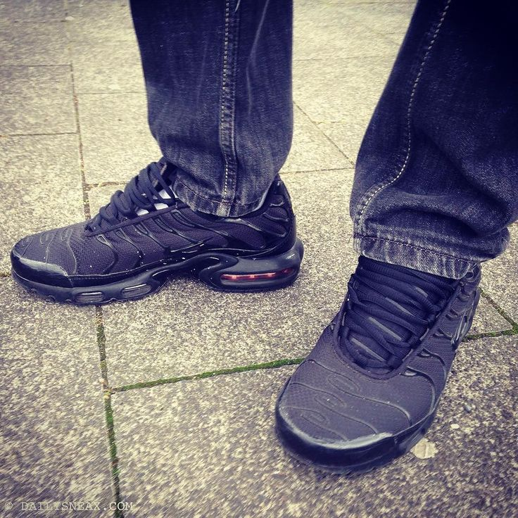Today in my all black TNs Air Max Plus #airmaxplus #nikeairmaxplus #niketn #airmax #nikeairmax #sneakers #sneax