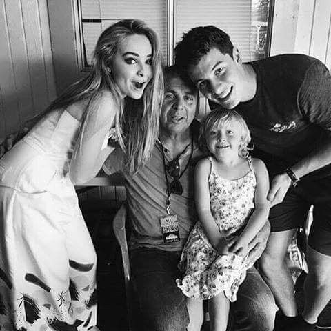 "150 curtidas, 1 comentários - sabrina ann lynn carpenter (@sabrinacarpenter__updates) no Instagram: ""Raw picture of sabrina with shawn mendes #sabrinacarpenter #shawnmendes"""