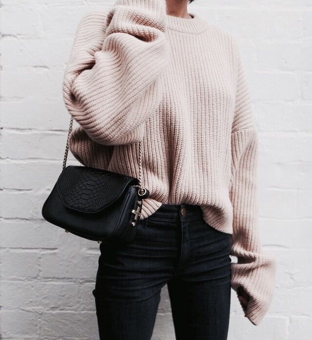 IN STYLE | WINTER TRENDS | Knits and Denim | For more style inspiration visit www.dontsweatthestewardess.com