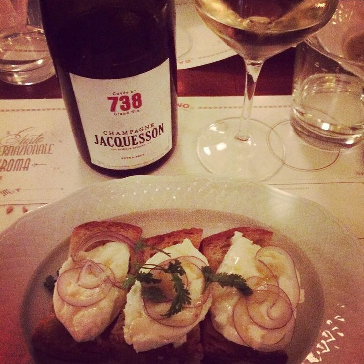 #bubbles always give me a new lease of life after all-day-events #jacquesson #champagne #738 #tonight #cheers #Rome #Roma #BaccanoRoma #Baccano #dinner #cena #dovemangiare #top #food #wine #drink #foodlover #winelover #afterwork #winebar #fontannaditrevi