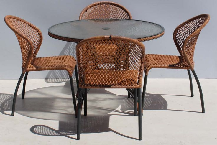 Condition:  Used  5 Piece Polyrattan Metal Patio Suite with Glasstop Table  size of table: Diameter 1040 x 740 H  R3000  Cell 076 706 4700  Tel 021 - 558 7546  www.furnicape.co.za  0223