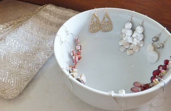 Dangly earrings on the rim of the bowl, studs or rings in the bowl. Simple, cheap, functional.    IHeart Organizing: Reader Space:A Fresh Coat of Paint