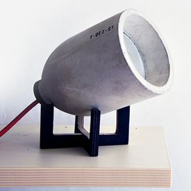 Light Zero, the concrete table lamp created by the South Korean studio 220plus.
