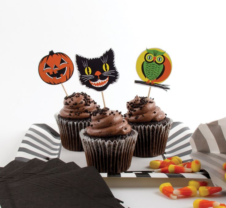 stuff for halloween treats and drinks party partners
