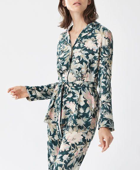 Lange Hose Blume - Neuheiten - Modetrends des Herbst/Winter 2016 für Damen bei Oysho Online: Dessous, Sleepwear, Sport,…