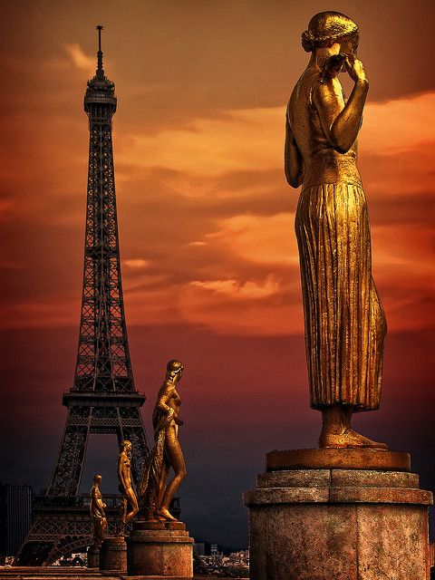 #Paris, #places, Sous le ciel de Paris (X) by Jose Luis Mieza Photography  on Flickr.