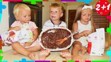 Bab Baby ТОРТ из Шоколада. Вредины готовят, обычная еда из Мармелада против! Real Food vs Gummy Food http://video-kid.com/20715-bab-baby-tort-iz-shokolada-vrediny-gotovjat-obychnaja-eda-iz-marmelada-protiv-real-food-vs-gum.html  Bad Baby - дети решили приготовить торт! Вкусный, шоколадный! И получится ли у детей этот торт, обычная еда для всех нас. Торт из мармелада и шоколада! Вредные детки против кухни!-) Итак, веселый челлендж начинается!CANDY CHALLENGE - Real Food vs Gummy FoodBab Baby…