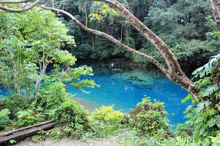 "Espirito Santo ""Blue Hole"" (Vanuatu)"