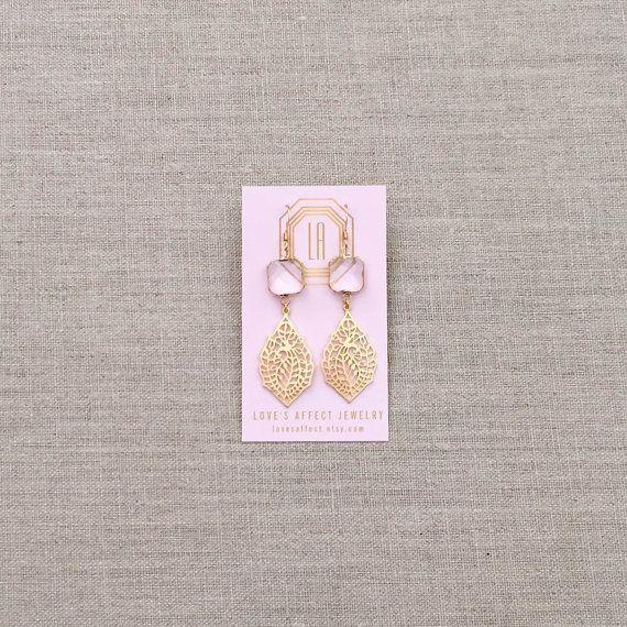 De Trina kroonluchter oorbellen  ♥ Wees u ervan bewust dat als gevolg van de unieke en handgemaakte karakter van elk product, kleuren, vormen en