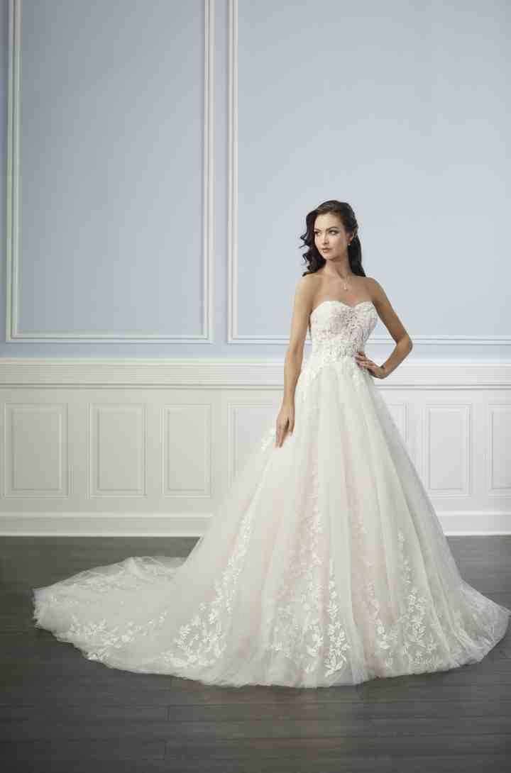 Here's the Wedding Dress You Should