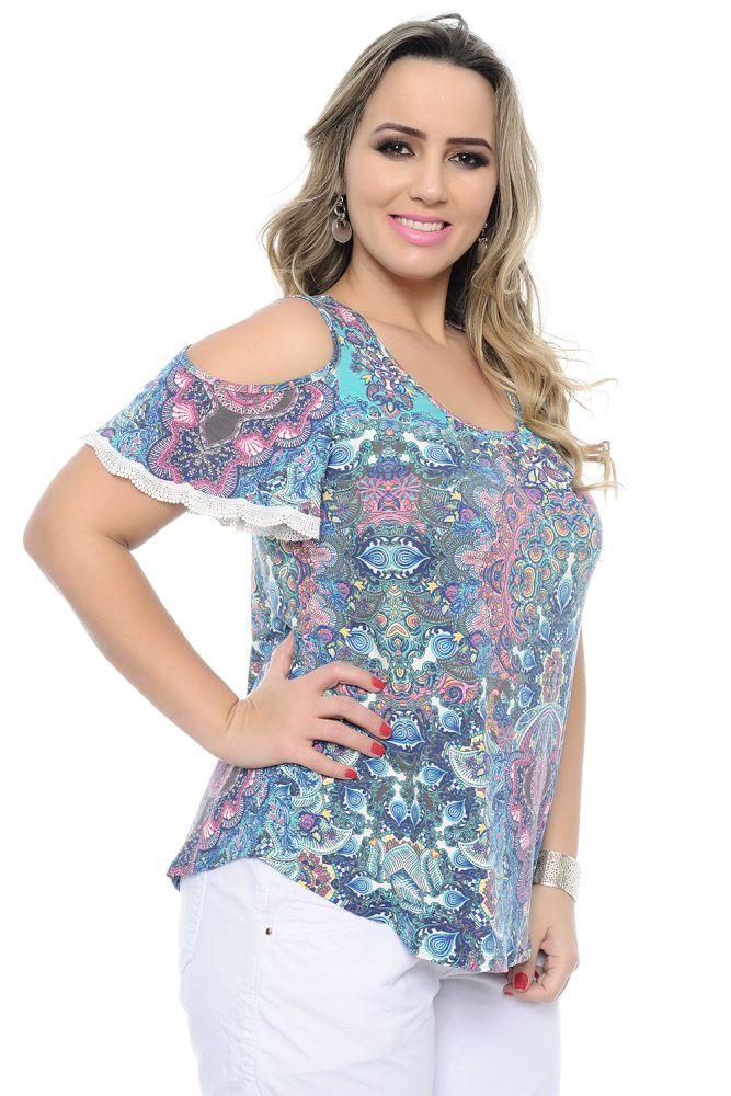 19e73e8f21 Blusa plus size em malha viscolycra estampada. Modelagem ciganinha com  caimento soltinho. Decote redondo