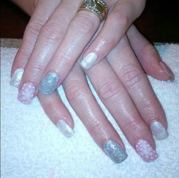 LCN #gelnails #bling #silver #pink #LCNproductsonly #facebookgetnailedbyApril #christmas #snowflakes #white