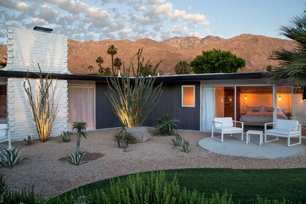L'Horizon is a Mid Century Modern Palm Springs Hotel that is a complete stunner. I haven't been there but from the images, a mid century lovers dream
