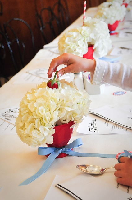 Sundae-style flower centerpieces for an ice cream party table set-up