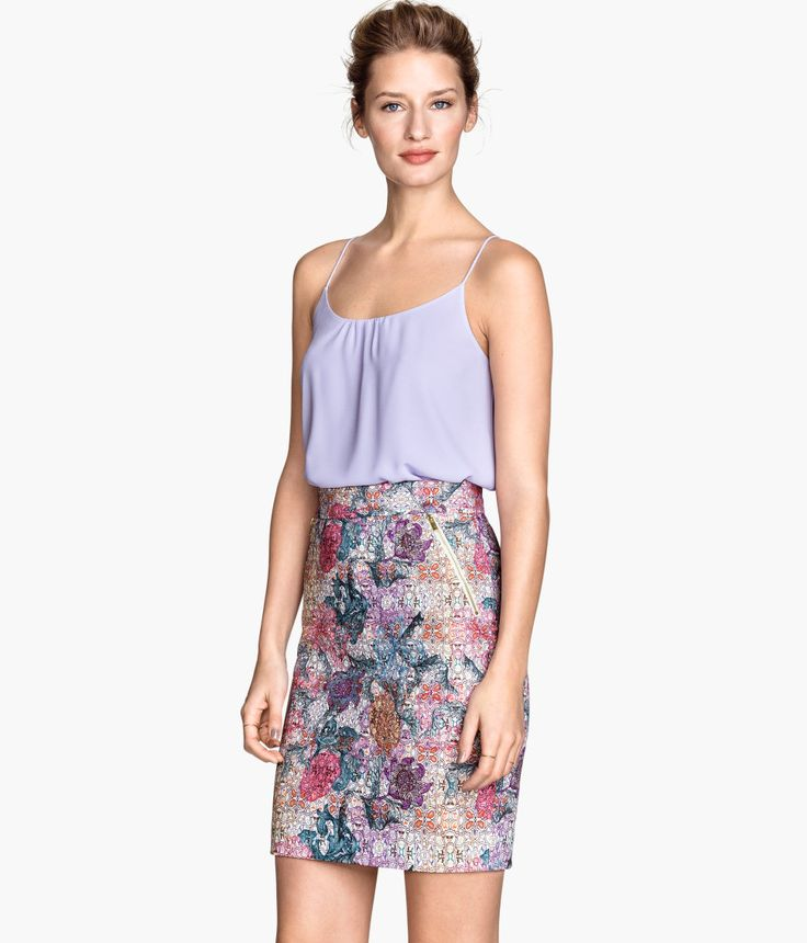 Knee Length Floral Pencil Skirt With Side Pockets Paired A Double Layer