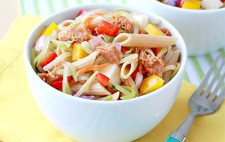 Spice up your work lunch with @HungryGirl 's Sweet & Spicy Tuna Pasta Salad #lunch Desktop dining!