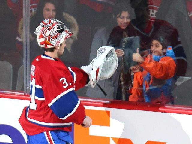 VIDEO: Canadiens' Price poses for selfie with fan during win over Islanders - Pricer is the best!