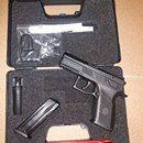Zánovní CZ 75 P-07, 9mm Luger: Prodám CZ 75 P-07, 9mm Luger, v záruce do 03/2018, stav nové zbraně (vystřeleno 50 nábojů). Ke zbrani krabička nábojů. ZP a NP nutné.https://s3.eu-central-1.amazonaws.com/data.huntingbazar.com/8892-zanovni-cz-75-p-07-9mm-luger-pistole.jpg