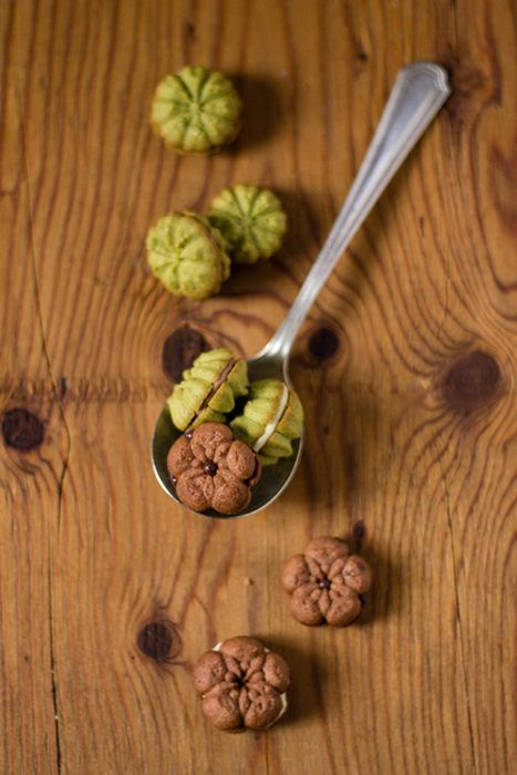 Pasticcini di frolla montata, vaniglia, cacao e matcha - In Cucina con Me