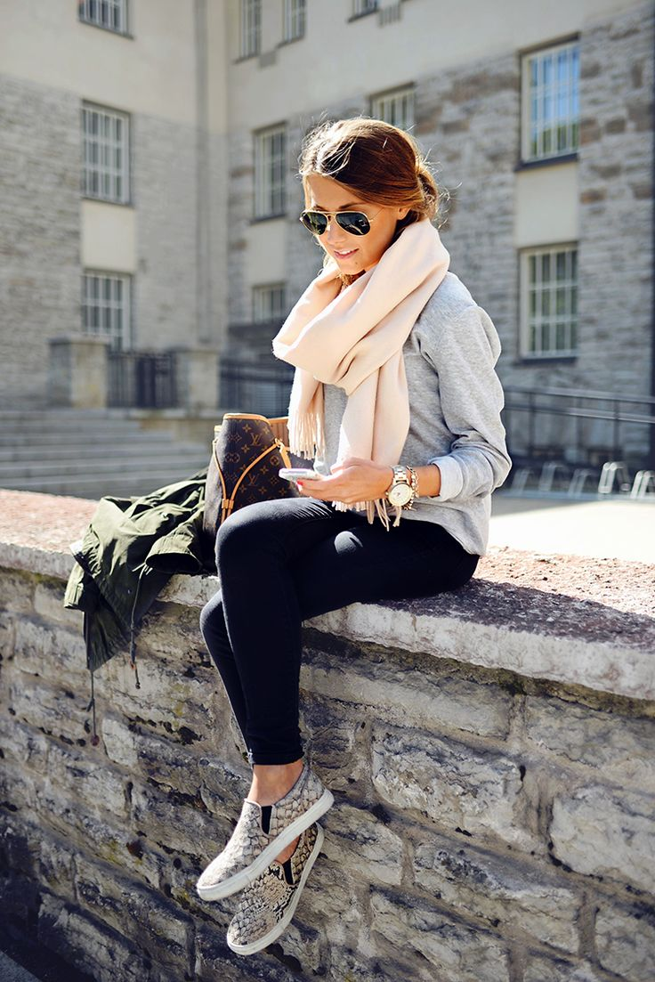 Casual chic. Ok this style, I want to copy. This is Mariannan.indiedays