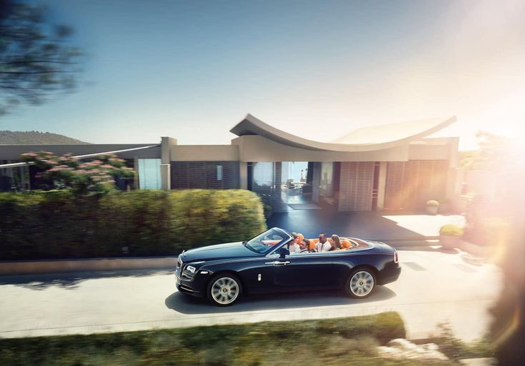 Rolls-Royce Dawn: the most luxurious four-seater convertible in the world.
