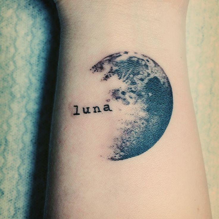 Done by @anticris in instagram. Great Venezuelan talent #tattoo #moon #moontattoo