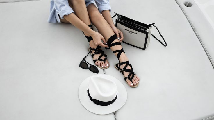 Lace up sandals, holiday style
