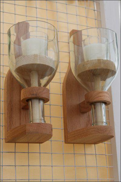 Candelabro en madera y botella de vino reciclada