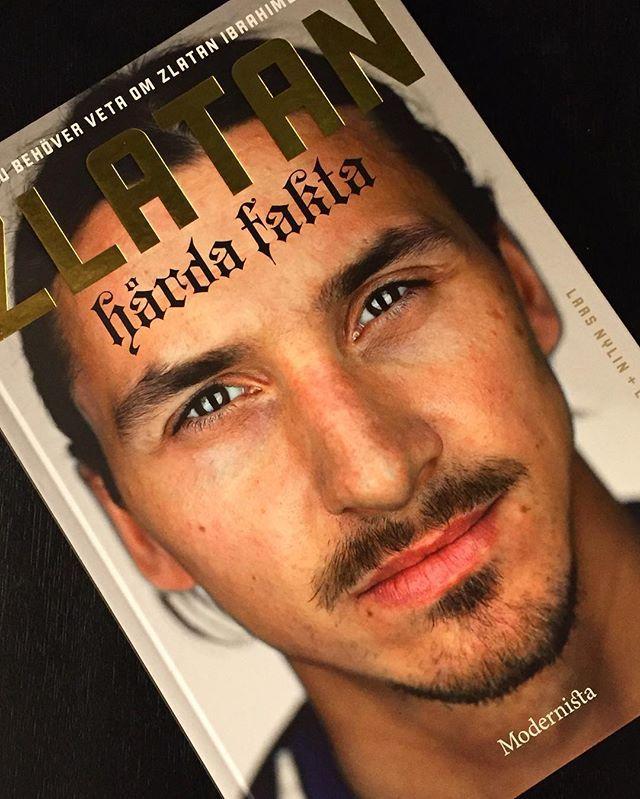 Allt du behöver veta om Zlatan Ibrahimovic ⚽️⚽️⚽️ #zlatan #hårdafakta #modernistaförlag #football #larsnylin #larssundh #boktips #julklapp #fotboll