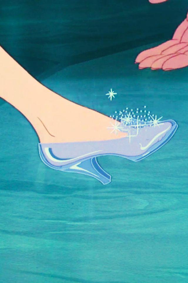 実写版映画公開記念!世界の一流ブランドが『シンデレラ』のガラスの靴を再現*