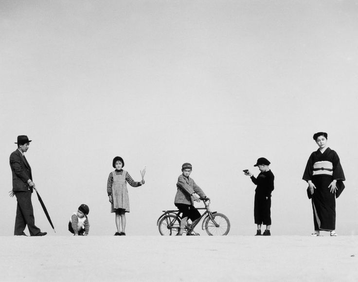 Papa, Mama and Children, 1949 by Shoji Ueda (植田 正治, Sakaiminato, 1913-2000). Ueda is regarded as one of the most outstanding Japanese photographers of his time. During his life he grappled very intesive with the field of photography. By mixing elements from the surrealism, photography and the japanese way of life, he created very great visual impacts.
