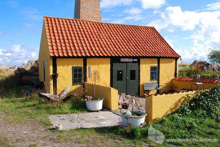 Kleine Galerie in ehemaliger Räucherei am Hafen von Allinge #galerie #räucherei #hafen #allinge #insel #bornholm