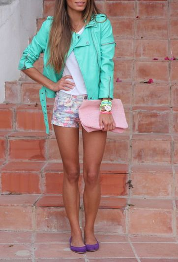 .Pastel, Colors Combos, Fashion, Floral Shorts, Clothing, Street Style, Outfit, Leather Jackets, Flats