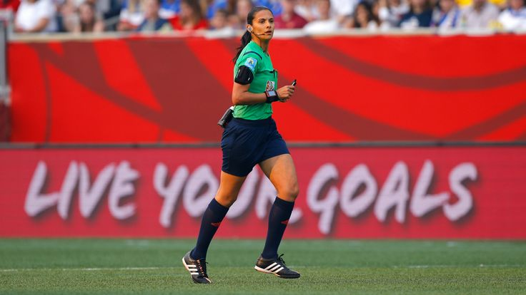 For years, Claudia Umpierrez was stuck in Uruguay's fourth division. Now she's reffing major games in Uruguay's futbol league.
