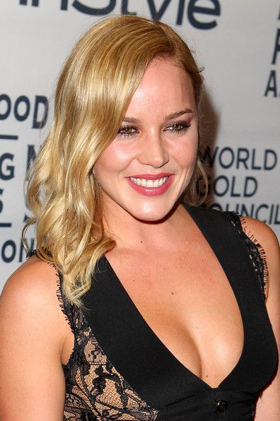 Chic Abbie Cornish ...Plush waist to hips ratio...