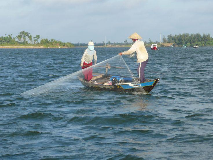 man en vrouw vissen Vietnam: Cornelia