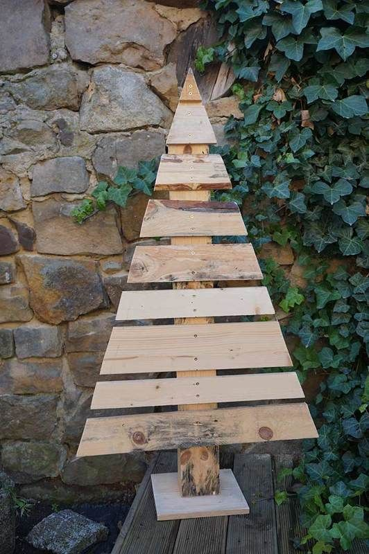 DIY Tutorial: So baust du dir Weihnachtsbäume aus Holz