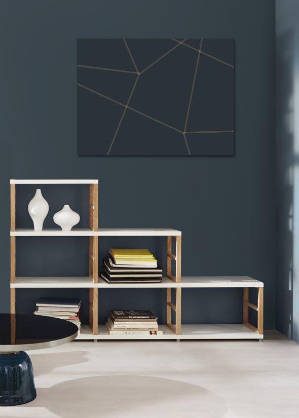Holz-Stufenregal fürs Wohnzimmer als Bücherregal