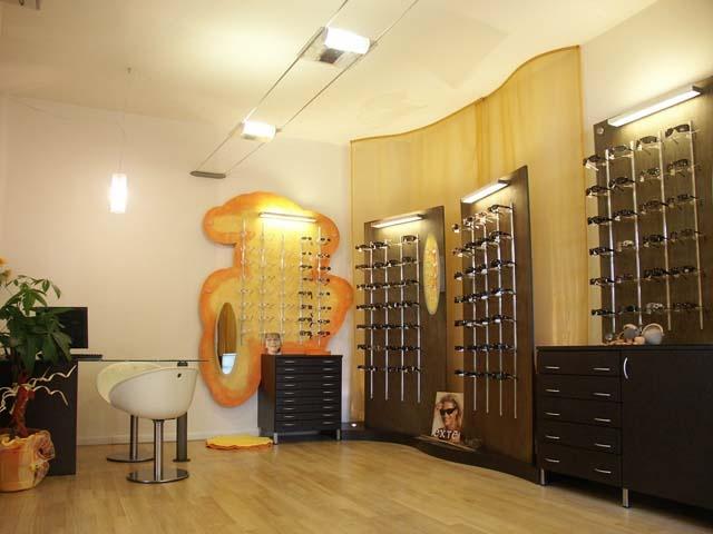 Einrichtungen für Läden, Boutiquen, Einkaufszentren