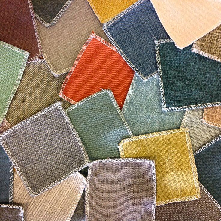 Een aantal van onze mooie stofkleuren! Welke kleur past er goed bij jouw interieur? Bestel ze nu gratis via onze website http://nl.sofacompany.com/stofstalen #stofstalen #kleur #deensdesign #retro #interieurstyling