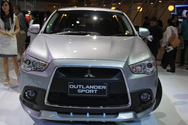 Review Mobil : Mitsubishi Outlander Sport - Vivaoto.com - Majalah Otomotif Online