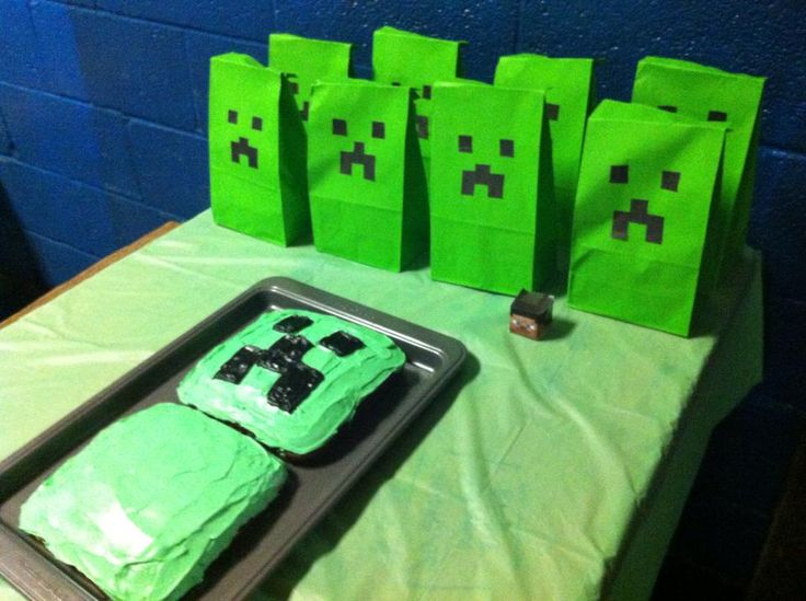 Minecraft Party Creeper Treat Bags And Cake