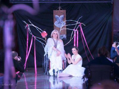 """""""Bellezza Senza Confini"""": in passerella modelle disabili in abito da sposa"""