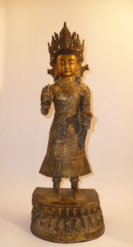 Dipankara Buddha Portatore di Luce Dipankara Buddha ( Tib. Mi slob) è il nome di un Buddha del passato,secondo la tradizione visse eoni prima di sakyamuni Buddha. Uno dei Buddha di Bamiyan,distrutti...