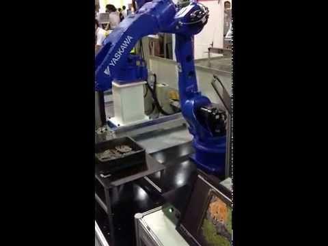 MOTOMAN MH24 ---2014台北國際自動化工業大展:3D視覺應用 - YouTube