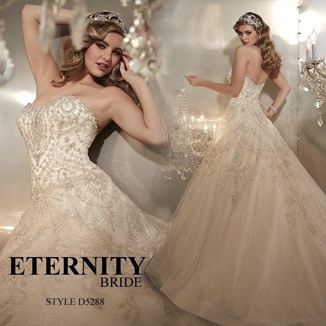 Prinsessebrudekjole fra Eternity Bride Ivory D5288. Fantastisk vakker brudekjole fra Eternity Bride med det ekstravagante. Hele brudekjolens overdel er besatt av vakre stener og perler men uten at...