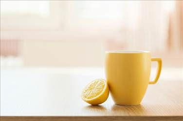 Sıcak suya limonu sıkın ve sonuçlarını görün